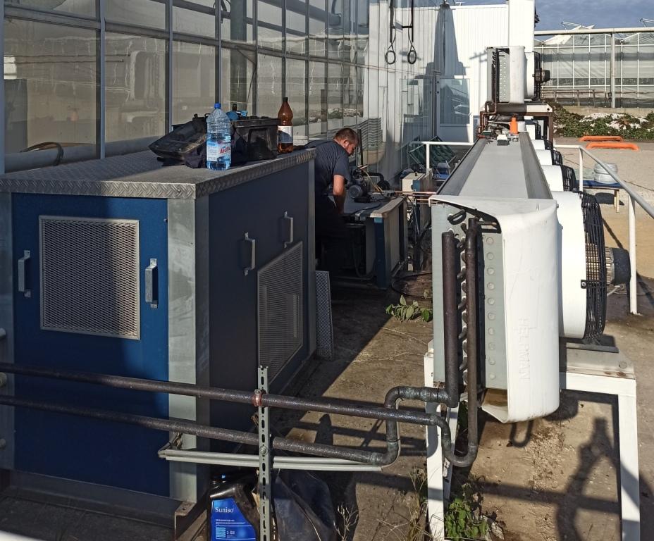 Демонтаж и монтаж холодильного оборудования Geerlofs на тепличном комплексе